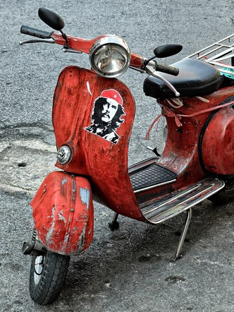 Che the Scooter